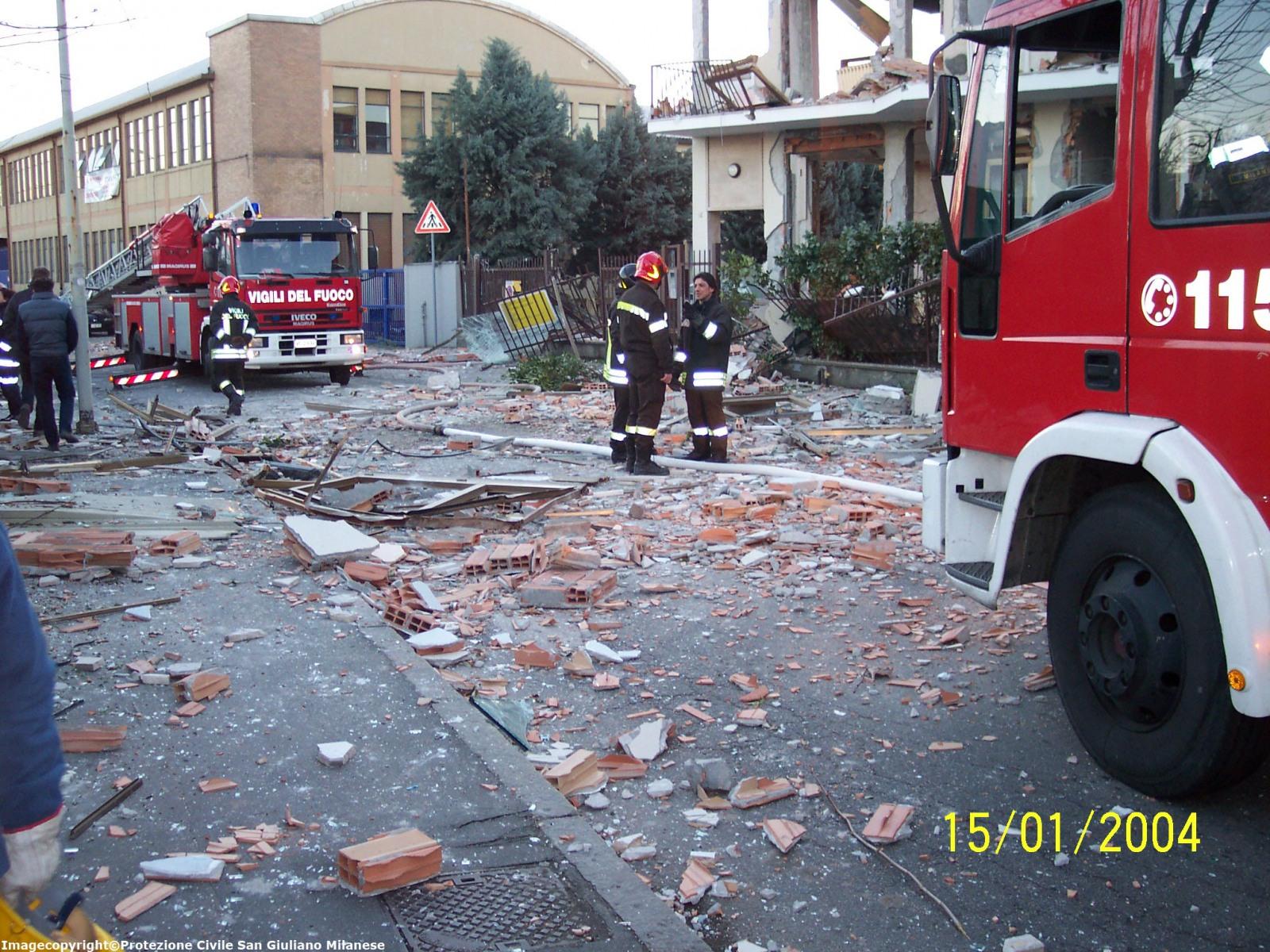 2004 esplosione gas
